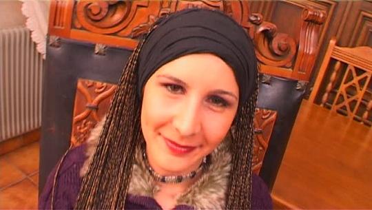 Katia, la simpática perroflauta de Granada a la que le gusta mucho el sexo - foto 1