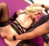 Carla descubre el sexo duro: dilataciones, fisting, inicios de BDSM. Hemos decubierto una buena zorra ;) - foto 6