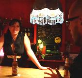 Camarera de pub de día, zorrón tetona de noche. Giny, esa simpática chica que te sirve las birras en tu barrio.