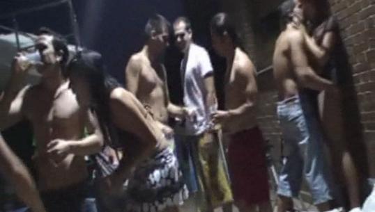 Os envio este video de Agosto de 2010 en una fiesta con mis ex-colegas - foto 1