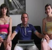 Padre e hija REALES se lo montan codo con codo con la madrastra. Fakings