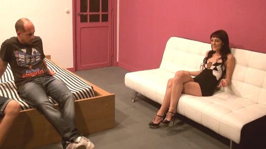 Carla Crosh una simpática guarrilla que viene para su primer casting porno