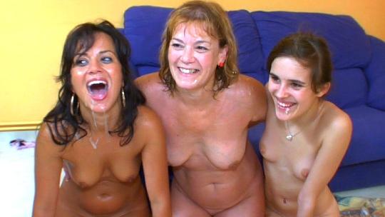 La madre de todas las orgías: mami, hija y yo su hermanita follando con los chicos de FAKings (formato multicámara)
