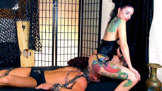 Lamia Dark y su esclavo vs Bryan y su puta. - foto 1