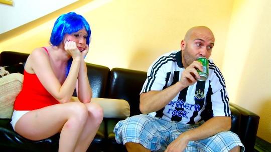 Extremo como siempre, Max Cortes rompe el culo y la garganta de Angie Scorp - foto 1