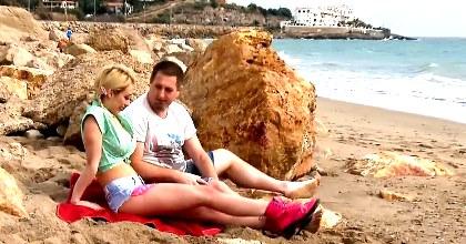 Verano de lujuria con Chessie Kay. Polvazo en la playa - foto 2