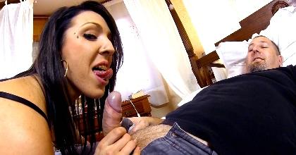 A Pamela Sanchez, la primera NiNi del porno, ya la hemos convertido en una multiorgasmica - foto 2