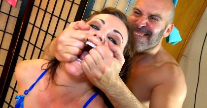 El momento mas Hardcore de Tina Kay en el porno español - foto 2