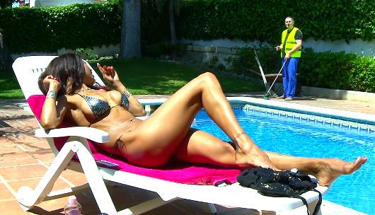La vecinita que vino a tomar el sol y termino requetefollada. Manuella Pimenta, bombazo de brasileña - foto 1