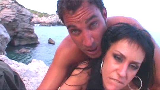 Arrancamos nuestra temporada en Ibiza con un griego profundo a Marta, gogó de Space. 19:31 minutos - foto 1
