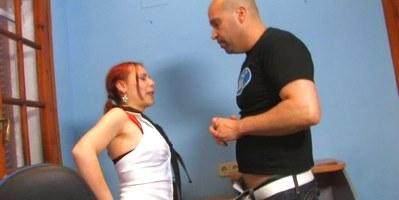 Sodomizando a Tania en su primera vez delante de las cámaras - foto 1