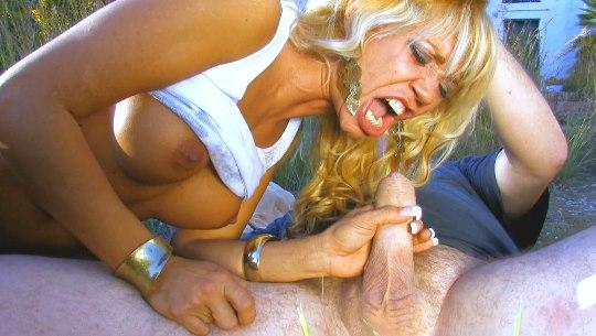 Ginger Hell, la Belén Esteban del porno le ha cogido el gustillo a nuestro chalet... QUE GOLFA ES! - foto 1