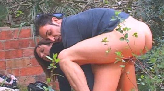Laurita, es pequeñita, pero por el culo la caben 30 cm de polla. 18:10 minutos - foto 1