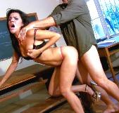 Clases de sexo, y folladas extremas, con la profesora del porno Samia Duarte - foto 7