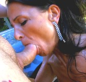 La madura ninfomana Soraya Rico se nos mea de gusto nada mas tocarla - foto 2