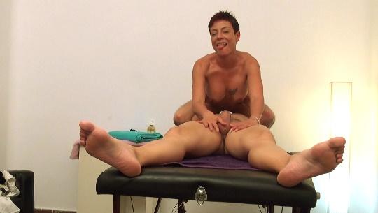 Soy Lisa, tengo 37 años y quiero ser vuestra MILF: aquí me follo a un paciente. - foto 1