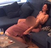 Divorciada de marido pureta e infiel busca. Soy Neus y me follo a un amigo de mi hijo, ¡estoy loca! - foto 7