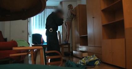 Soy Kitty y me he follado un Guardia Civil, también me comí su porra... superad eso! - foto 2
