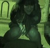 Botellón por las calles de Madrid, ella nos hizo pajas a todos y acabó cayendo. - foto 2