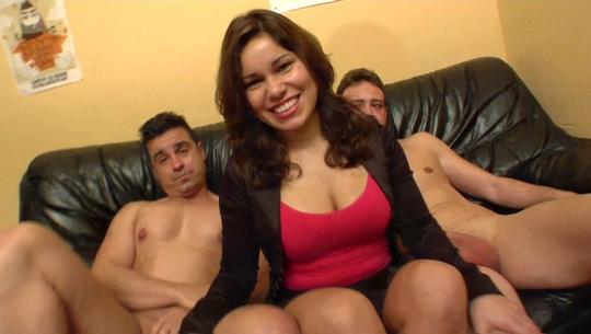 Laura Cruz: de follarse un boy en el escenario a debutar para FAKings GOZANDO con dos pollas en su primera DP - foto 1