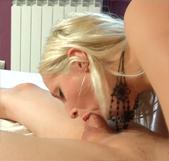 Su novia le regala una actriz porno en su primera experiencia liberal y ella misma se anima a... - foto 2