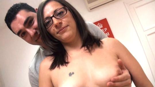 Madura de 39, administrativa y con pinta de secretaria porno se liga a -jovencito- de 30 fan de Club Maduras - foto 1