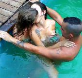 De fiesta con mis amigos en la piscina. Estrella y Raúl han visto mi vídeo :-) - foto 3