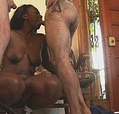 Monica e Ivan, se sacan 20 años, él no empalmó... hasta que se la folló otro. - foto 3