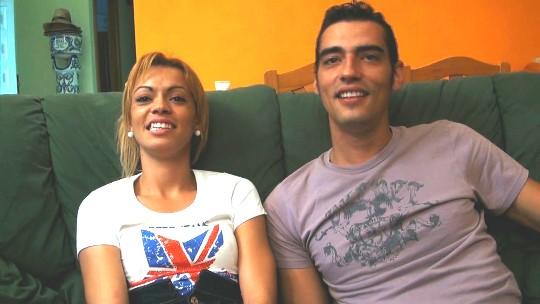 Jose, el valenciano celoso, nos enseña cómo le gusta sodomizar a su novia hasta reventarla - foto 1