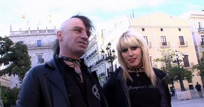 Sexo OKUPA. Dos integrantes del movimiento nos enseñan cómo se lo montan en la cama. Nora y Rat