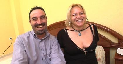 Cariño, te regalo a un actor porno. Juan y Cristina (marido y mujer reales) cumplen su mayor fantasía