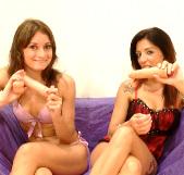 Las novias del porno, Valencitna Bianco y Carol Sevilla, de nuevo relamiendo sus flujos