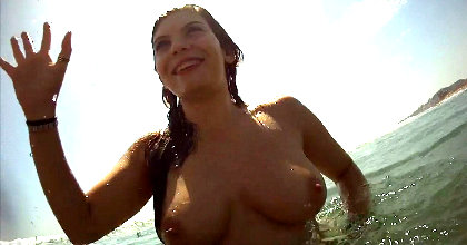 Sirenita XXX - Sol : Me hago un dedazo en las aguas de Valencia - foto 2