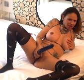 Judith Navarro te enseña como se masturba una mami española - foto 7