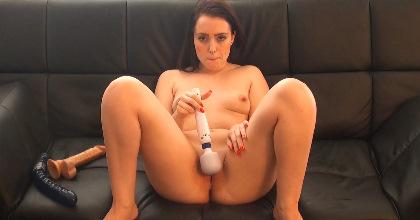Así se masturban las -chicas de bien-. Soraya Alcala y su locura por las pollas - foto 2