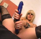 Descubre como se pajean las goticas adictas al sexo con Nora Barcelona - foto 7