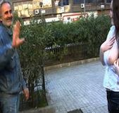 Silvia juega a LA RULETA RUSA follándose a un mendigo madrileño - foto 2