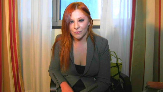 Estudiante de Derecho y alumna modelo de día, ZORRA ejemplar de noche. Jaky, 20 años, nueva VECINITA!! - foto 1