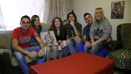 Jovencitas y parejas liberales españolas follando en una orgia privada espectacular