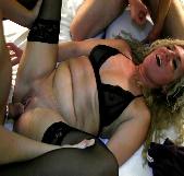 Cerda, viciosa, ninfómana, INMENSA. Carla, la madura, disfruta como una perra con los primos yogurines. - foto 9