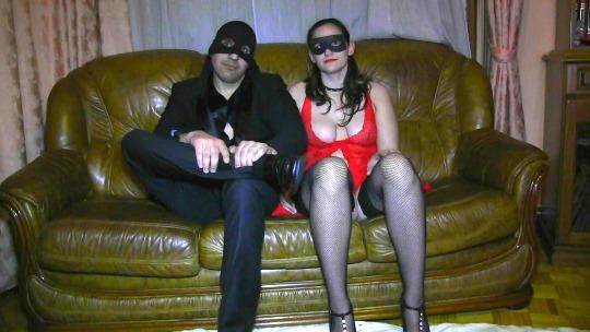 50 Sombras de Grey porno: lo que NO PUDIMOS VER. Sumisa española y su amo. Completamente AMATEURS en SU PROPIA CASA. - foto 1
