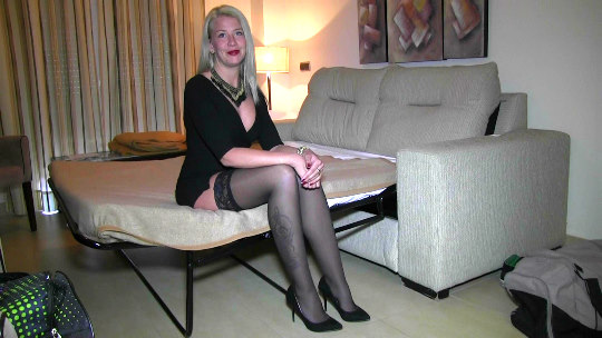 Las pijas de Marbella también quieren hacer porno: Mayka quiere hacer porno. - foto 1