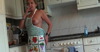 Soy María y busco pornochachos os pagaré en carne, ¿os apuntais? - foto 2