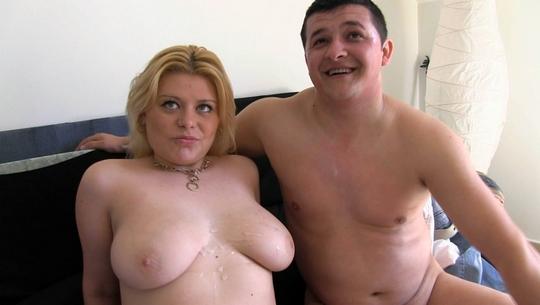 Laura y Nico de Albacete, 19 y 29 años, vienen de vacaciones a Coruña y...