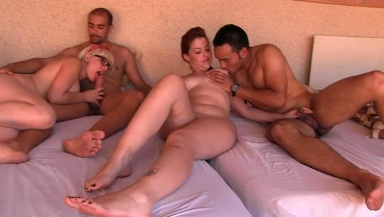 Fiesta en la piscina, cervecitas, solecito, chicas guapas y ORGÍA con quien se quiera apuntar - foto 1