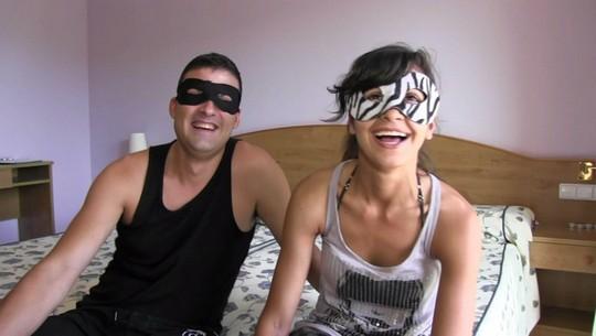 La chica morbo y su novio vienen desde Madrid a echar un polvo