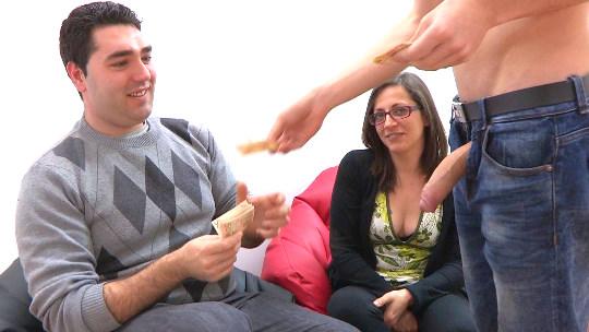 Vendo a mi novia en Parejas.NET: si no follas es por que no quieres. ¡Sus primeros cuernos! - foto 1